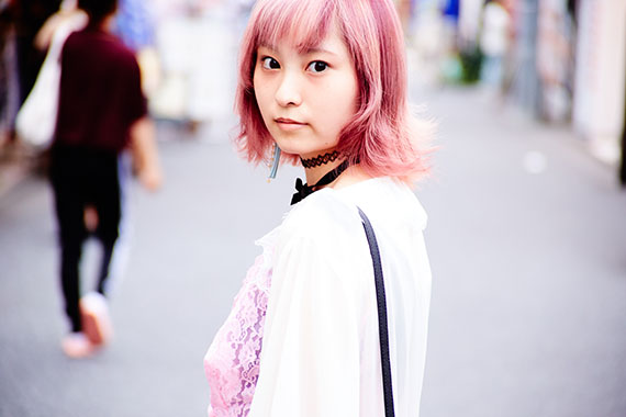 全身ピンクな彼女に<br /> ひとめぼれ<br />