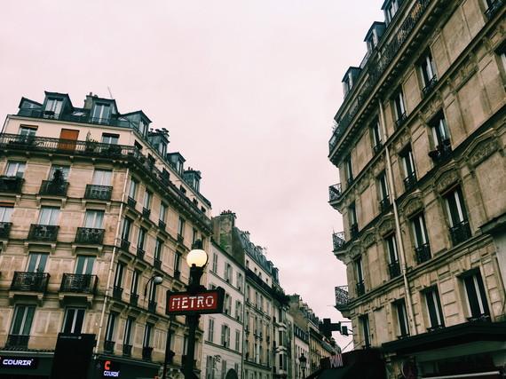 パリへ撮影用グッズを買いに