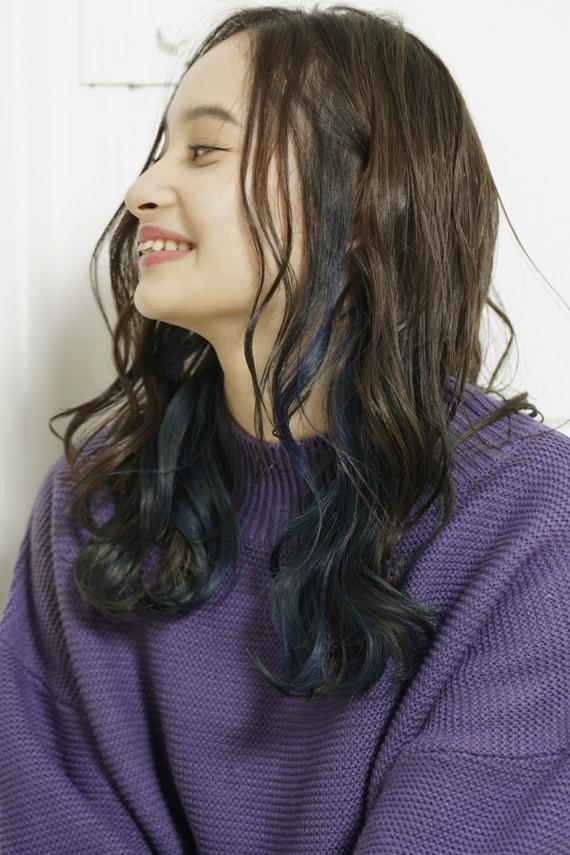美しいブルーが<br /> 切なくも色鮮やかに発色する